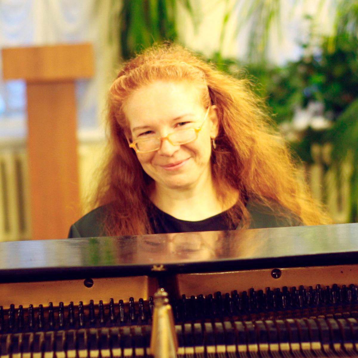 Sofia Khorobrykh am Flügel