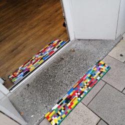 Hanau: 2 kurze durchgehende Legorampen innen und außen